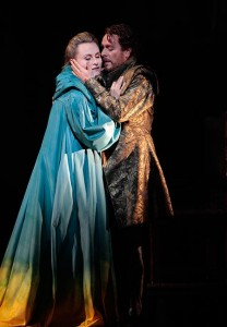 Marina Poplavskaya as Lucrezia Contarini and Francesco Meli as Jacopo Foscari (Photo: Robert Millard)